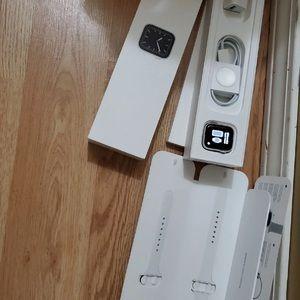 Apple Watch Gen 5 Series 5 Cell 40mm Silver